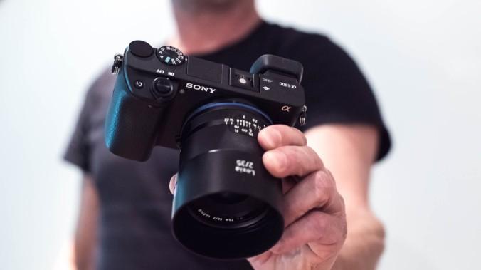 Sony-a6300-1.jpg